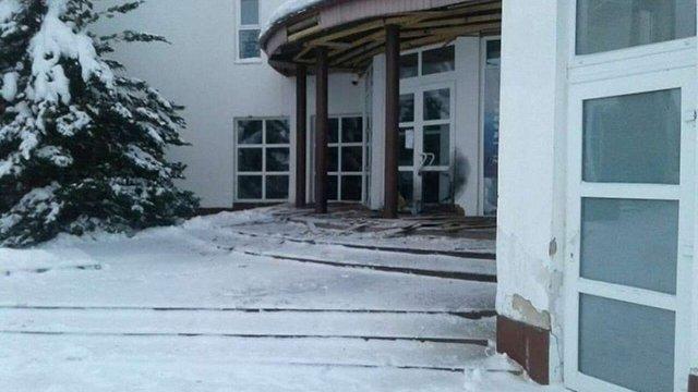 У поліції повідомили подробиці нападу на музей Степана Бандери в Старому Угринові