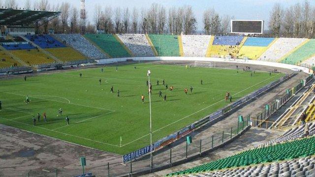 Львівські депутати на 10 років продовжили «Карпатам»пільгову оренду стадіону «Україна»