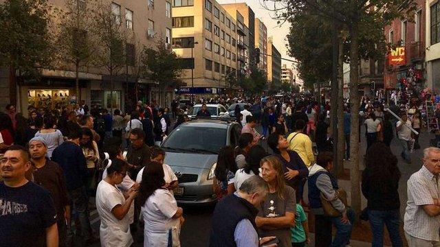 У Мексиці розбився вертоліт з міністром і губернатором, які оглядали наслідки землетрусу