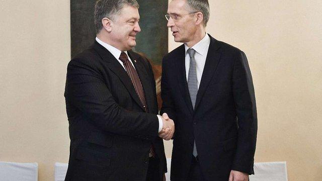 Порошенко подякував Столтенбергу за політику «відкритих дверей» НАТО для України