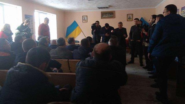 Депутати Львівської міськради побились із охоронцями комунального АТП-1