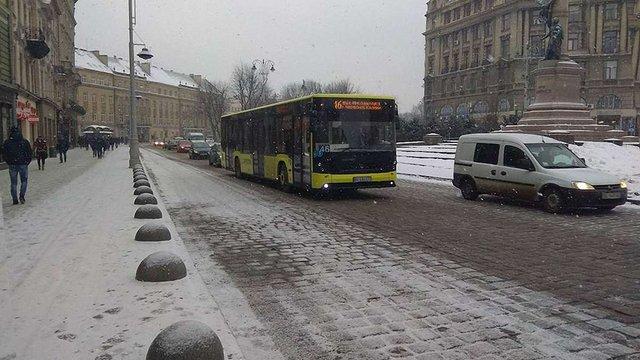 На частині проспекту Свободи у Львові тимчасово змінять схему руху транспорту