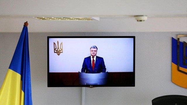 Суд відмовив адвокатам Януковича в повторному допиті Порошенка