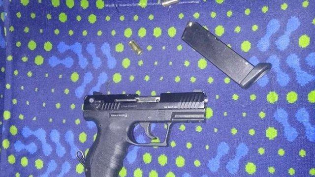 У Львові п'яний «муніципал» погрожував зброєю та вдарив пасажира маршрутки