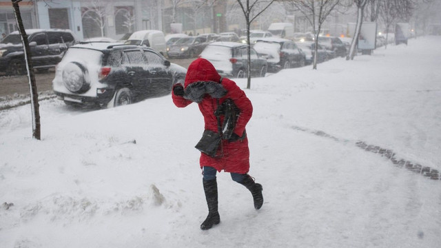 ДСНС попереджає про погіршення погодних умов на більшості території України