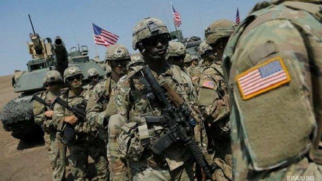 Трансгендер уперше підписав контракт з армією США