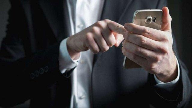Кібершахраї з Волині інфікували вірусом 6 тис. мобільних телефонів в Україні та світі