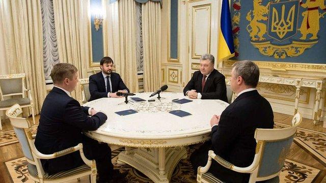 Президент привітав Україну з історичною перемогою у Стокгольмському арбітражі