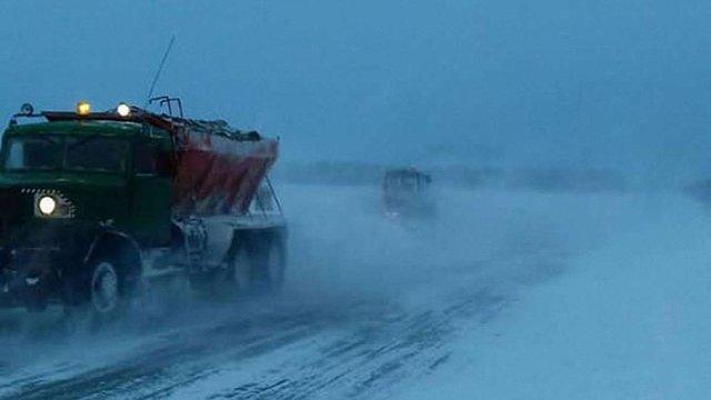 На Одещині через негоду повністю заборонили рух транспорту автомобільними дорогами