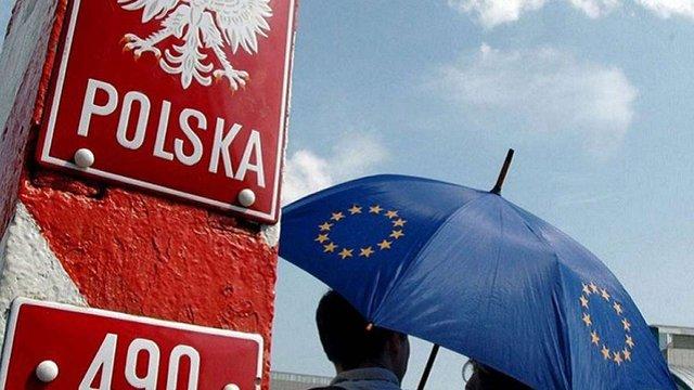 Європарламент підтримав жорсткі санкції проти Польщі