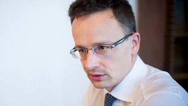 Голова МЗС Угорщини обурився скасуванням закону «Ківалова-Колесніченка»