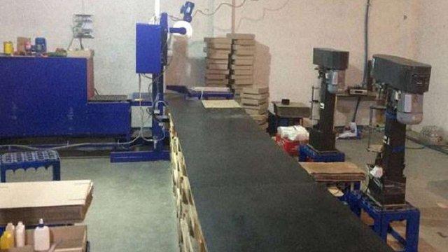 Виробники фальсифікованої горілки на Львівщині відбулися штрафами
