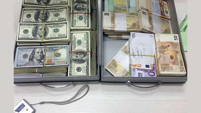 За підозрою в ухиленні від сплати податків ДФС арештувала у львівських підприємців ₴12,5 млн