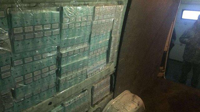 У Раві-Руській затримали найбільшу за цей рік партію контрабанди сигарет