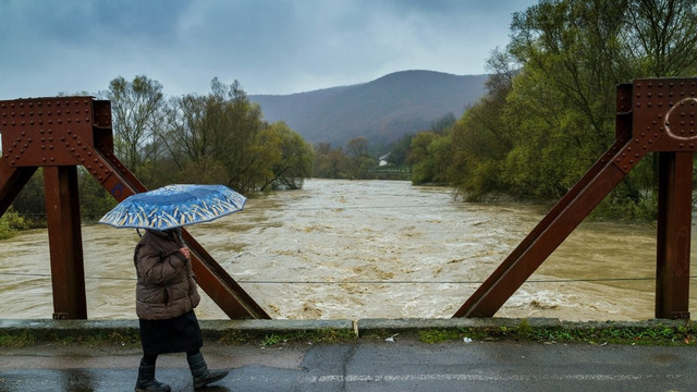 Через танення снігу синоптики попереджають про підйом рівня води у річках Львівщини