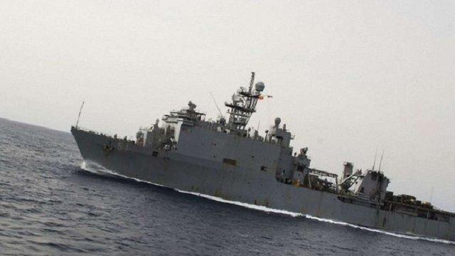 Корабель ВМС США з морською піхотою на борту увійшов в Чорне море