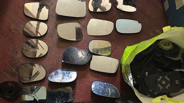 У Львові затримали крадія автомобільних дзеркал