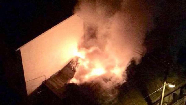 У Львові спалахнула пожежа у житловому будинку