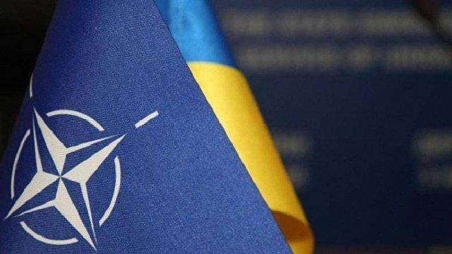 НАТО офіційно визнав прагнення України вступити в альянс і підвищив її статус