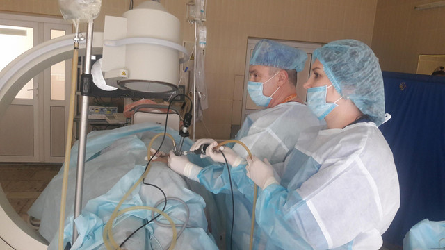 Лікарі Трускавця вперше самостійно видалили у пацієнтки жовчний міхур і каміння з нирки