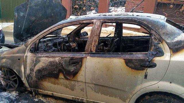 Чиновник Львівської міськради заявив про зумисний підпал його автомобіля