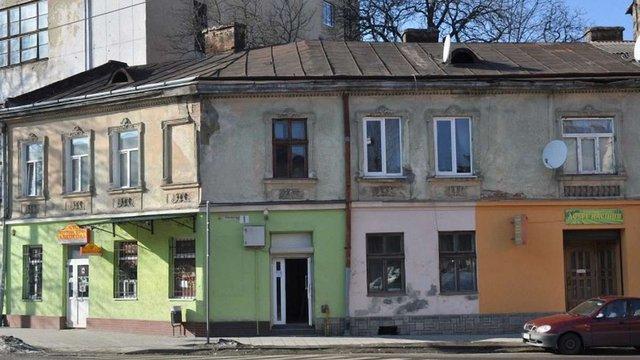 У Львові власників будинків зобов'яжуть перефарбувати фасади