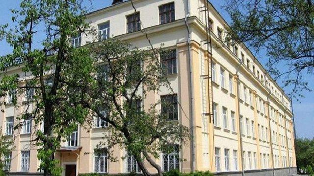 Уночі зі школи у Львові викрали навчальну техніку