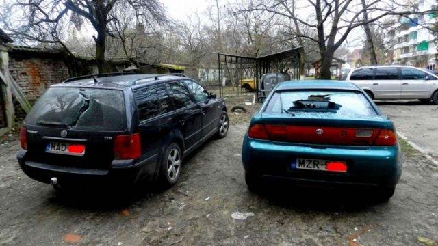 У Берегові невідомі вночі побили автомобілі з угорськими номерами