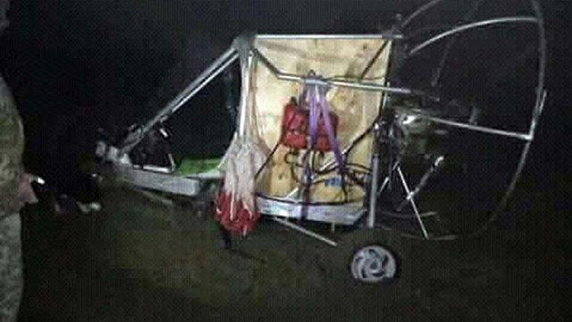 Львівські прикордонники виявили у полі саморобний вертоліт із контрабандими сигаретами