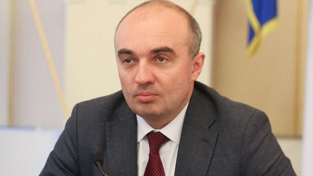 Львівська облрада вимагає розірвати дипломатичні відносини з РФ та запровадити візи для росіян
