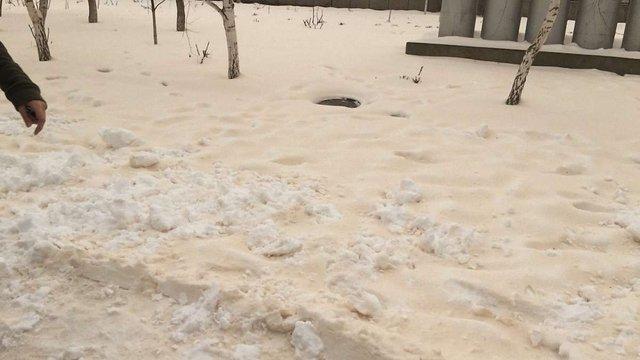 В Одеській області випав «іржавий» сніг