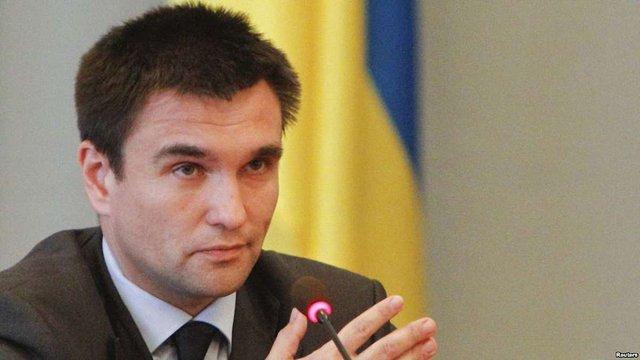 Клімкін запропонував обговорити запровадження в Україні латинки поряд з кирилицею