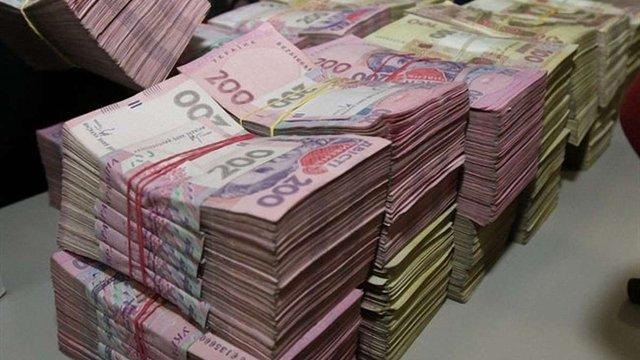 За рік кількість гривневих мільйонерів в Україні збільшилась в півтора рази