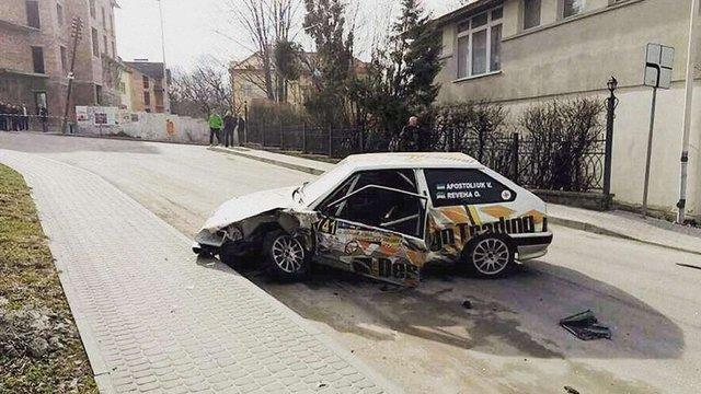 Під час автоперегонів у Трускавці учасник змагань збив людину