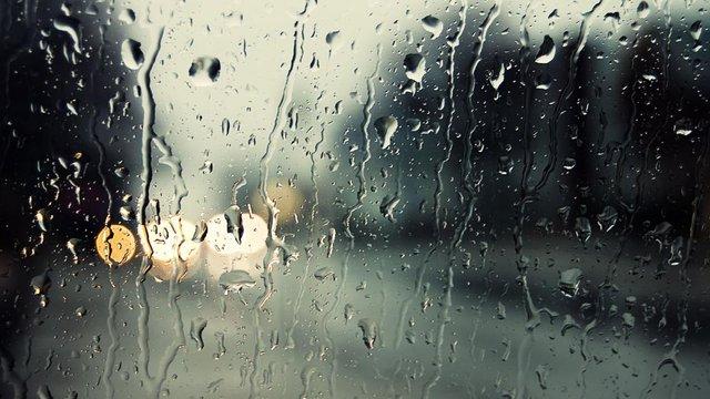 Синоптики попереджають про незначне похолодання і дощі на початку тижня