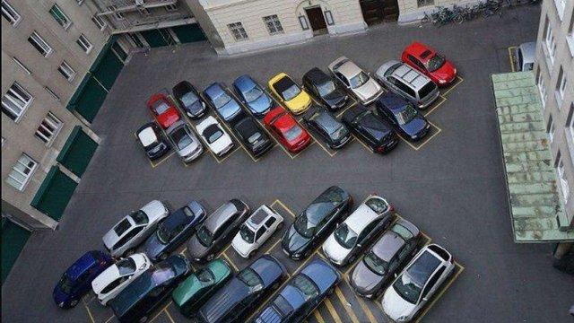 Мінрегіон планує заборонити будівництво парковок всередині житлових кварталів