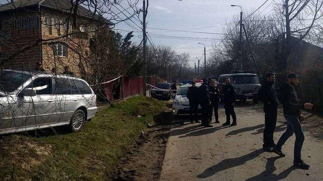 У Чернівцях група молодиків напала на поліцейську під час оформлення ДТП
