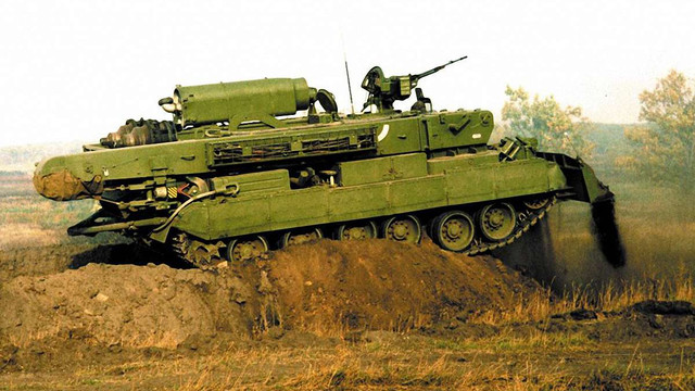 «Укроборонпром» почав серійне виробництво бойових броньованих машин «Атлет»