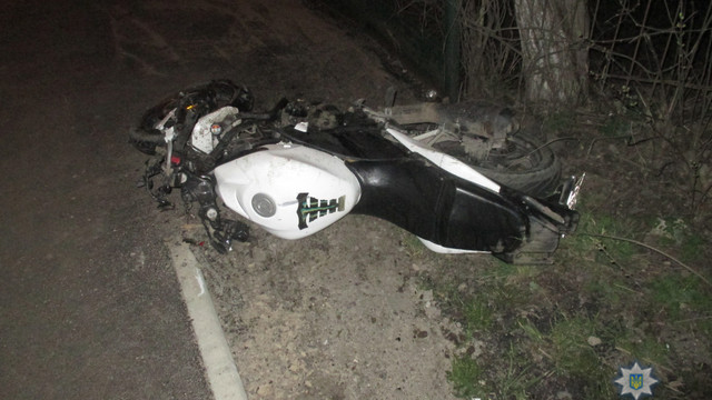 На Львівщині мотоцикліст на смерть збив пішохода і сам потрапив до реанімації