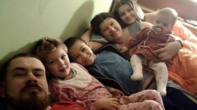 Слідчі назвали причину загибелі сімох людей від чадного газу в Івано-Франківську