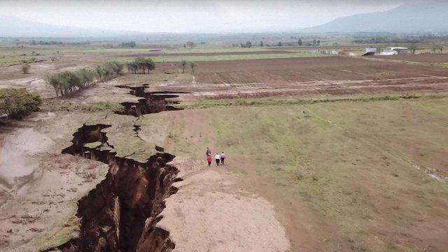 В Африці з'явилася велика тріщина, яка колись може розколоти континент