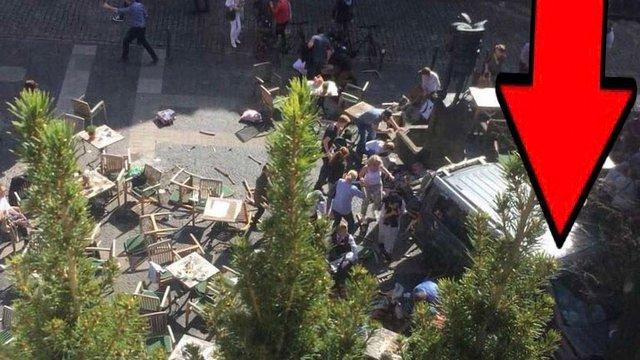 У Німеччині автомобіль в'їхав у групу пішоходів, загинули 4 людини та 30-ть постраждали