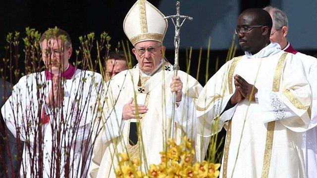 Папа Франциск привітав східних християн з Великоднем
