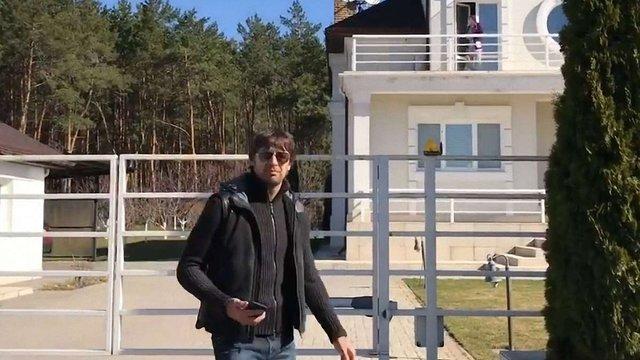 Колишня теща напала з пістолетом на екс-воротаря «Динамо», коли він приїхав за своєю донькою