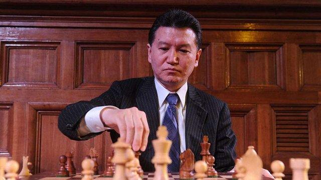 Міжнародна федерація шахів вимагає відставки росіянина Кірсана Ілюмжинова