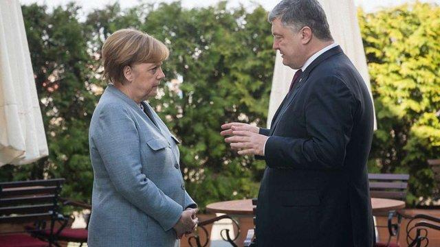 Меркель заявила, що після відкриття Nord Stream 2 частина газу має йти через Україну