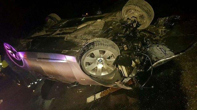 У Сокільниках поблизу Львова автомобіль збив електроопору та перекинувся на дах