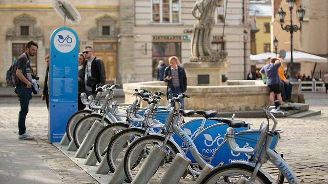 Nextbike у Львові платитиме гроші за транспортування велосипедів із переповнених станцій