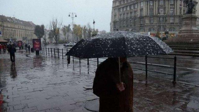 До кінця доби синоптики прогнозують у Львові грозу