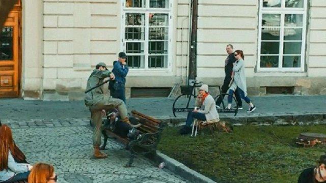 У Львові проводять службове розслідування через поведінку «муніципала» на площі Ринок